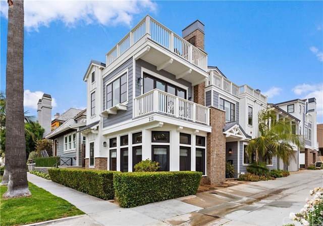 Condominiums en 212 Marguerite Avenue Corona Del Mar, California 92625 Estados Unidos