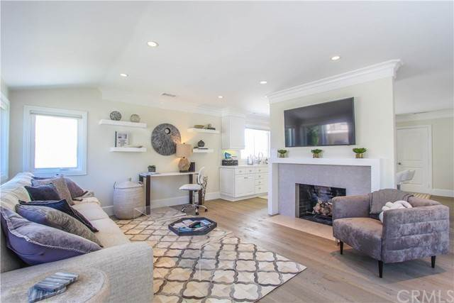 Single Family Homes en 3320 Seaview Avenue Corona Del Mar, California 92625 Estados Unidos