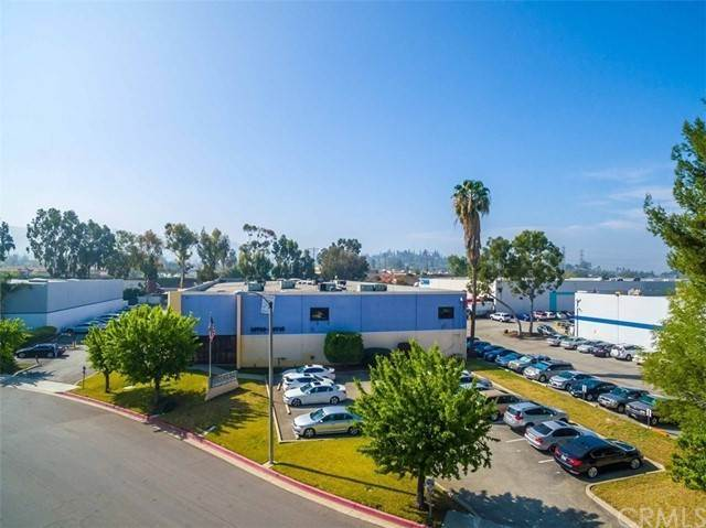 Offices الساعة 16710 E Johnson Drive City Of Industry, California 91745 United States