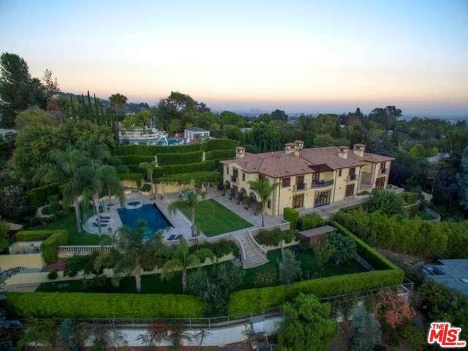 Residential Lease الساعة 1141 Summit Drive Beverly Hills, California 90210 United States