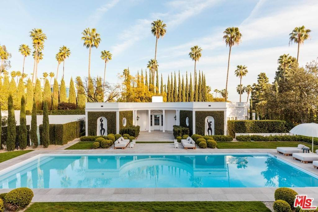 Residential Lease الساعة 809 North HILLCREST Road Beverly Hills, California 90210 United States