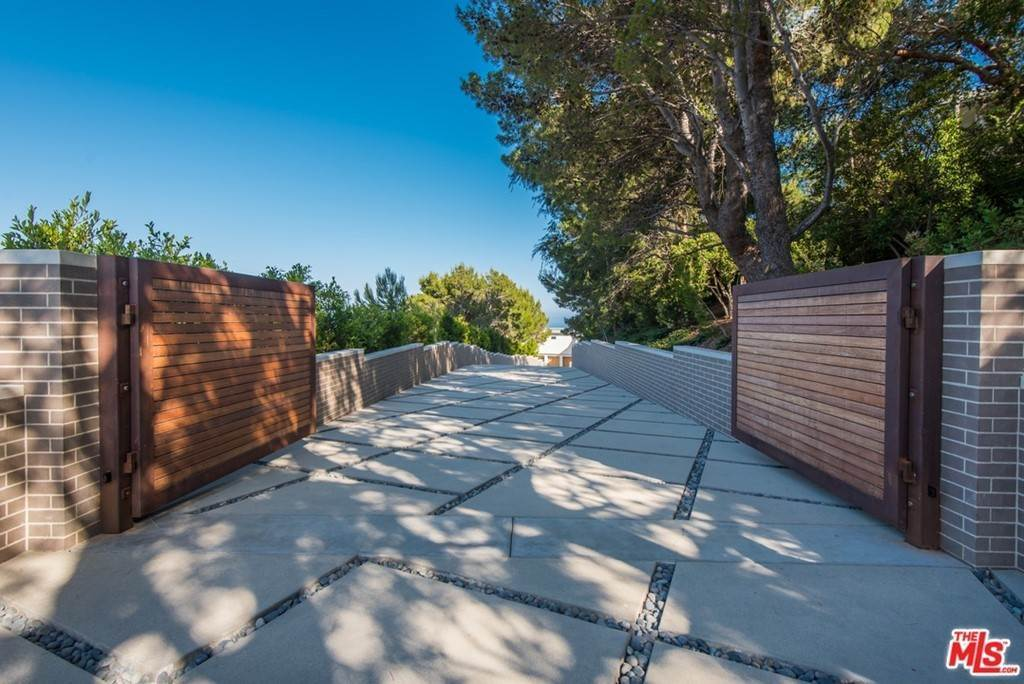 Residential Lease at 23800 Malibu Crest Drive Malibu, California 90265 United States