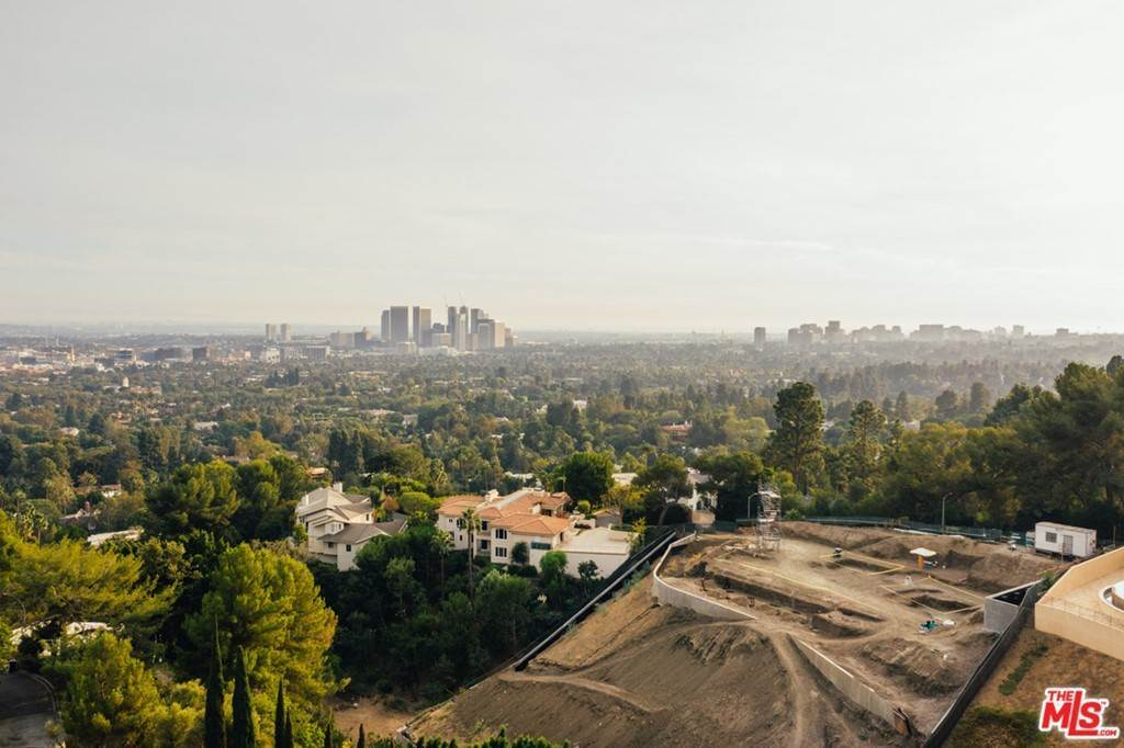 5. Land for Sale at 1140 Calle Vista Drive Beverly Hills, California 90210 United States