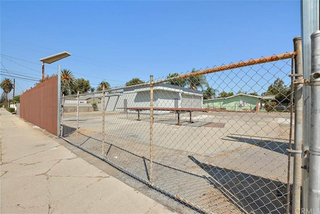 Commercial for Sale at 1195 W Mission Boulevard 1195 W Mission Boulevard Pomona, California 91766 United States
