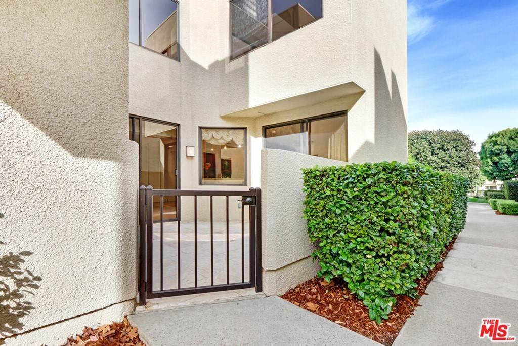 13. Residential for Sale at 2231 Century Los Angeles, California 90067 United States