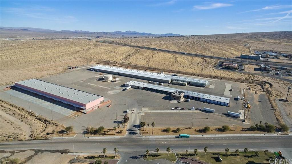 Commercial à 2951 Lenwood Road Building 1 Barstow, Californie 92311 États-Unis