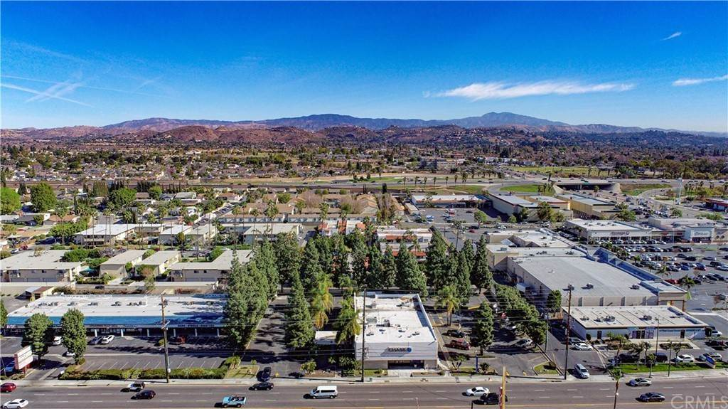 Commercial for Sale at 214 North Tustin Street Orange, California 92867 United States
