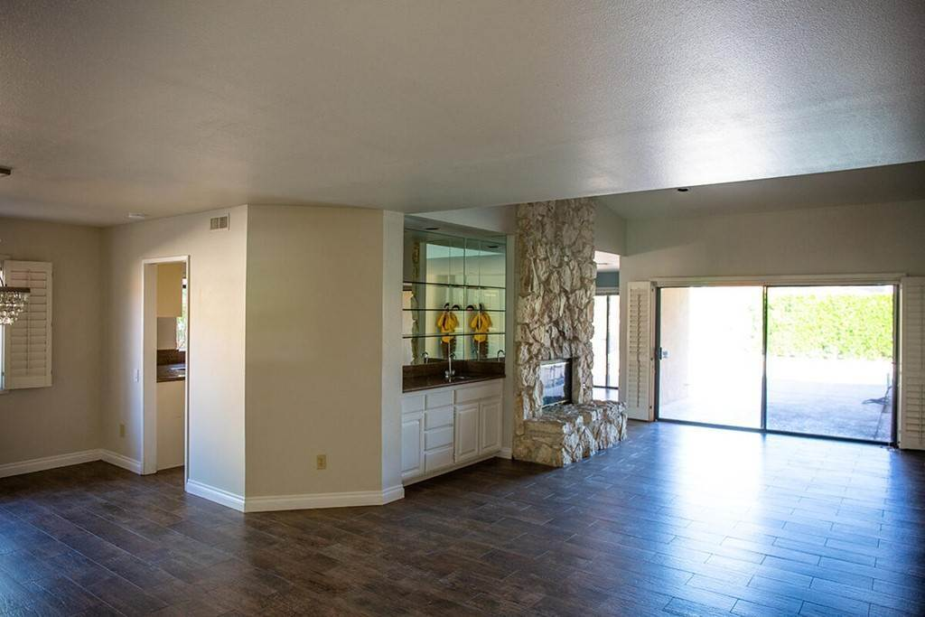 11. Residential Lease at 40588 Clover Lane Palm Desert, California 92260 United States