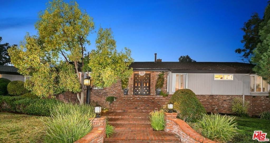 Residential for Sale at 6719 East Oak Lane Orange, California 92869 United States