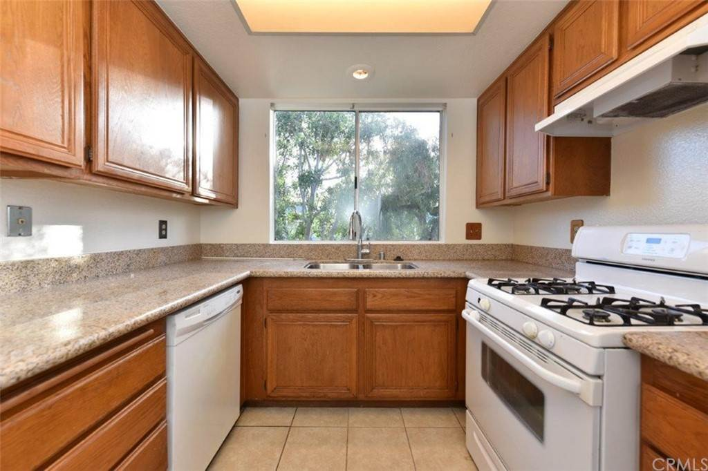 5. Residential Lease at 454 Monroe 89 Irvine, California 92620 United States