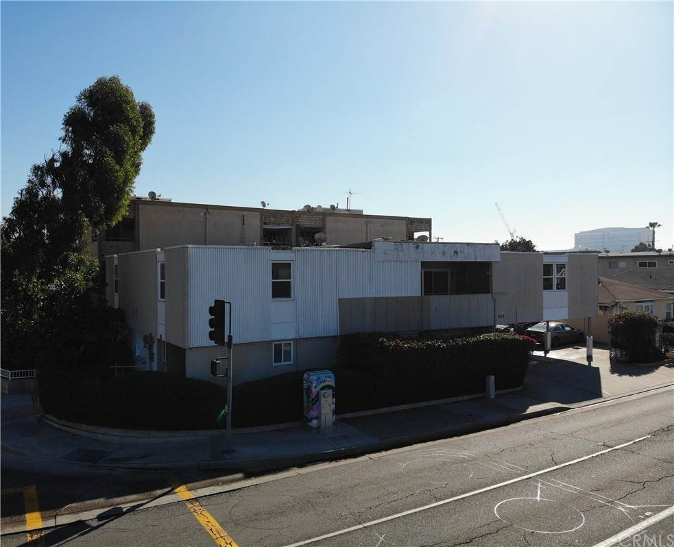 Residential Income for Sale at 820 West Washington Avenue Santa Ana, California 92706 United States