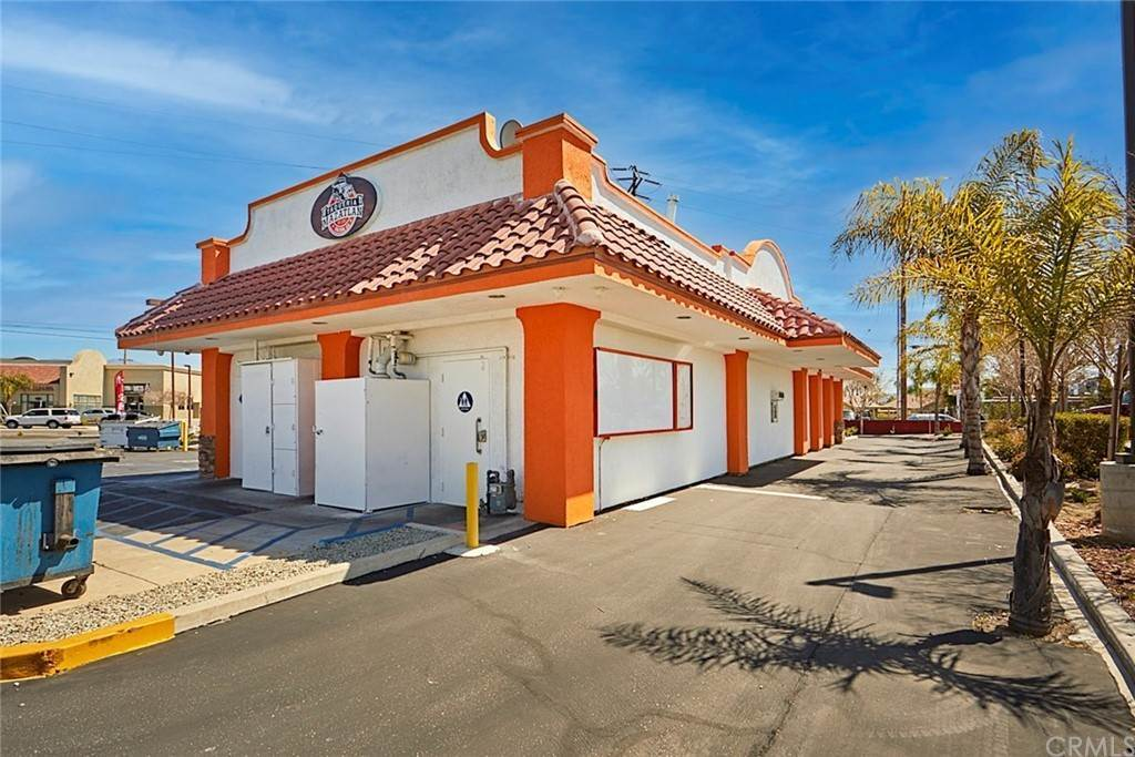 Commercial for Sale at 1497 N. Mount Vernon Avenue Colton, California 92324 United States