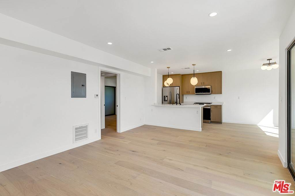Residential Lease at 1210 Larrabee Street 4 West Hollywood, California 90069 United States
