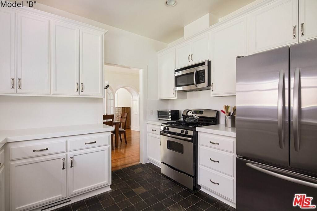 3. Apartments at 435 MONTANA Avenue 2Bed2Bath Santa Monica, California 90403 United States