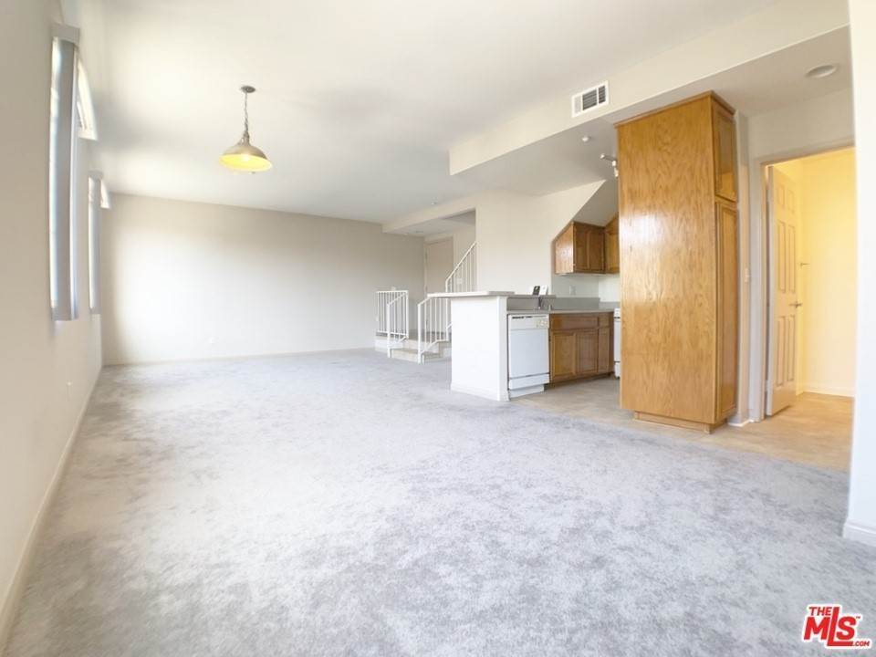 6. Residential Lease at 10133 Tabor Street 13 Los Angeles, California 90034 United States