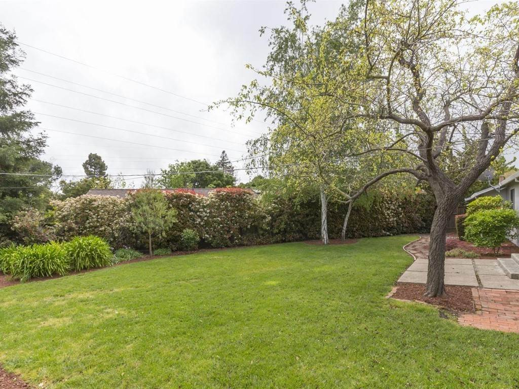 15. Residential Lease at 1721 Penny Way Los Altos, California 94024 United States
