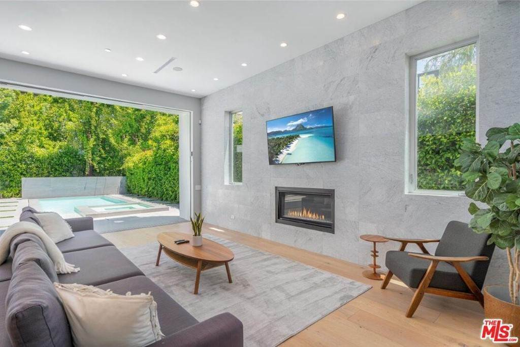 2. Residential Lease at 354 WESTBOURNE Drive West Hollywood, California 90048 United States