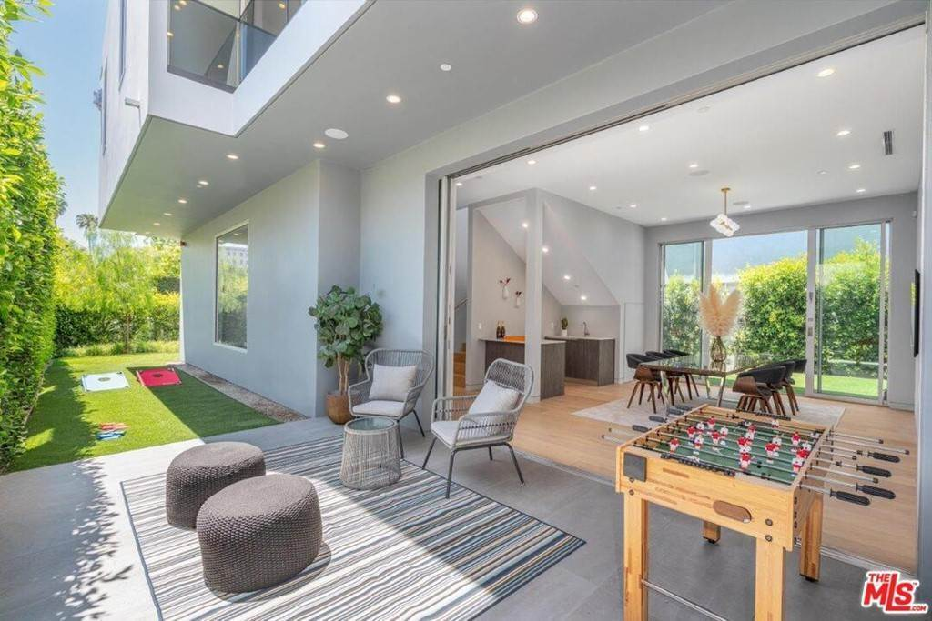 7. Residential Lease at 354 WESTBOURNE Drive West Hollywood, California 90048 United States