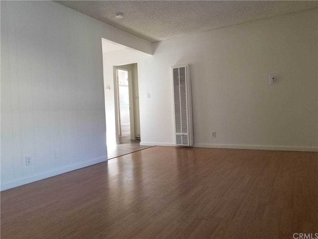 1. Apartments at 219 15th Street 4 Huntington Beach, California 92648 United States
