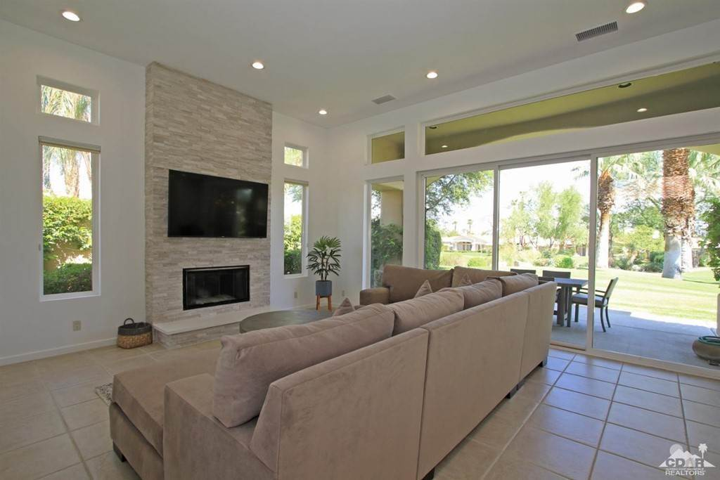 12. Residential Lease at 350 Gold Canyon Drive Palm Desert, California 92211 United States