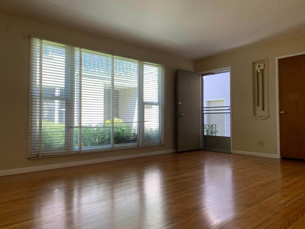 12. Apartments at 612 El Camino Real 3 San Mateo, California 94402 United States