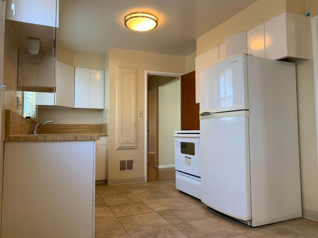14. Apartments at 612 El Camino Real 3 San Mateo, California 94402 United States