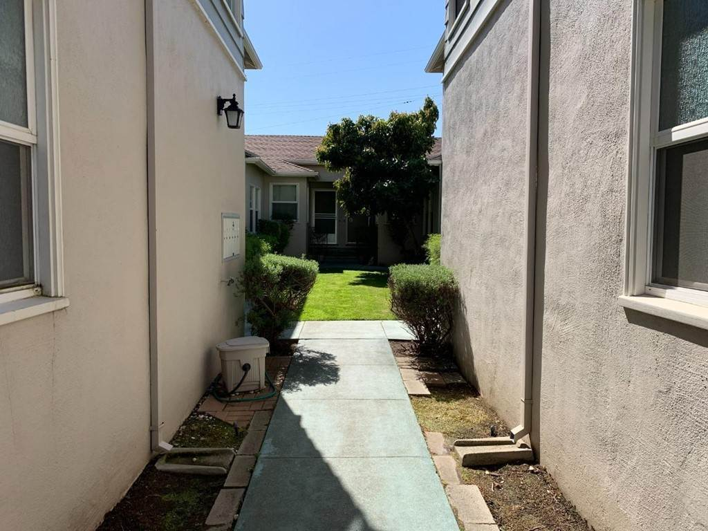 6. Apartments at 612 El Camino Real 3 San Mateo, California 94402 United States