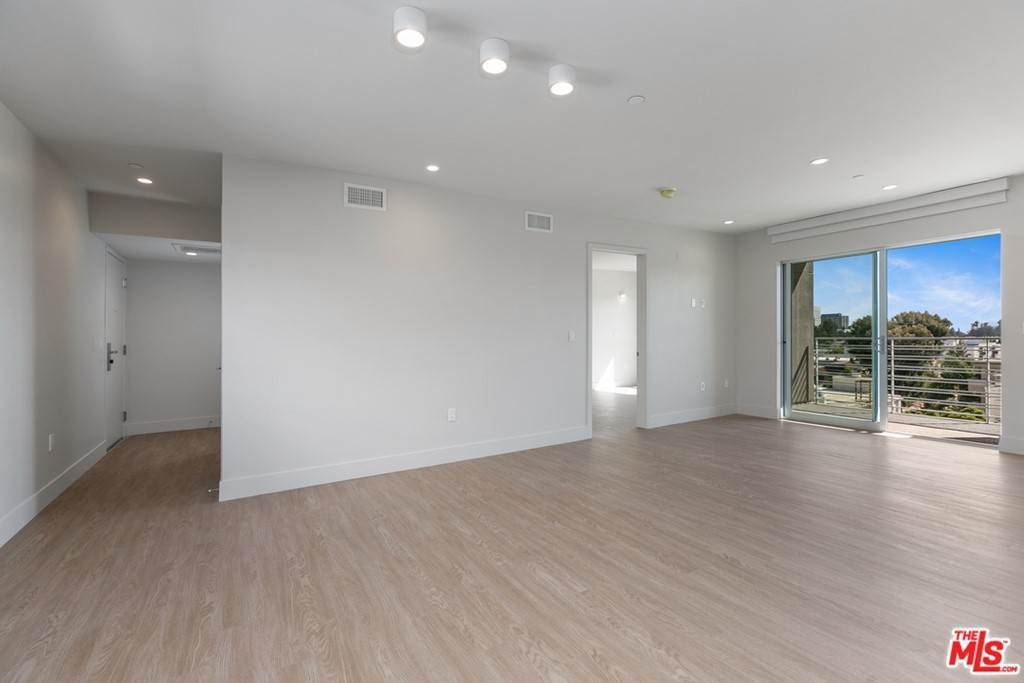 3. Residential Lease at 11837 Mayfield Avenue 405 Los Angeles, California 90049 United States