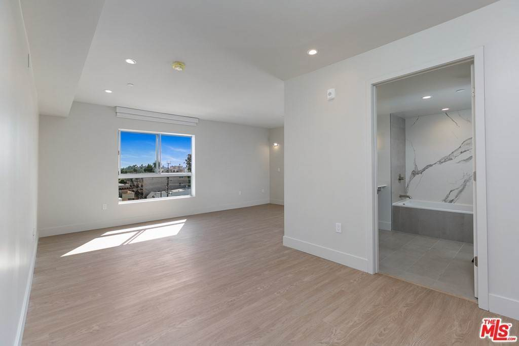 8. Residential Lease at 11837 Mayfield Avenue 405 Los Angeles, California 90049 United States