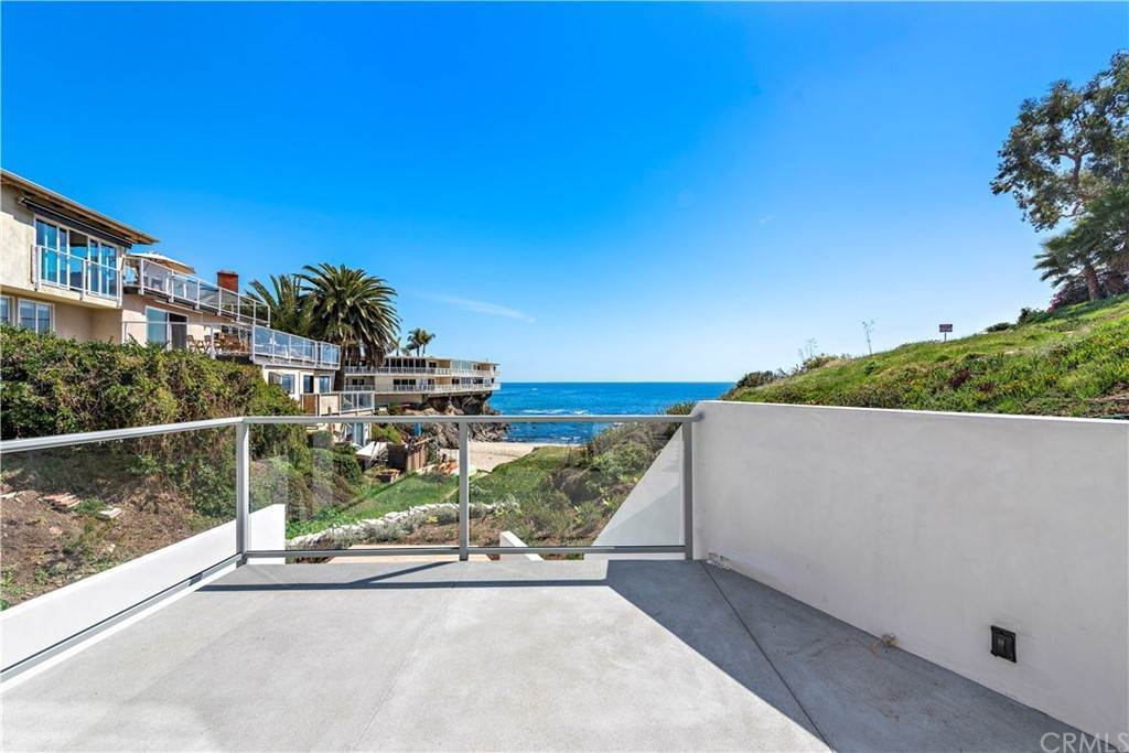 Apartments at 827 Cliff Drive Laguna Beach, California 92651 United States