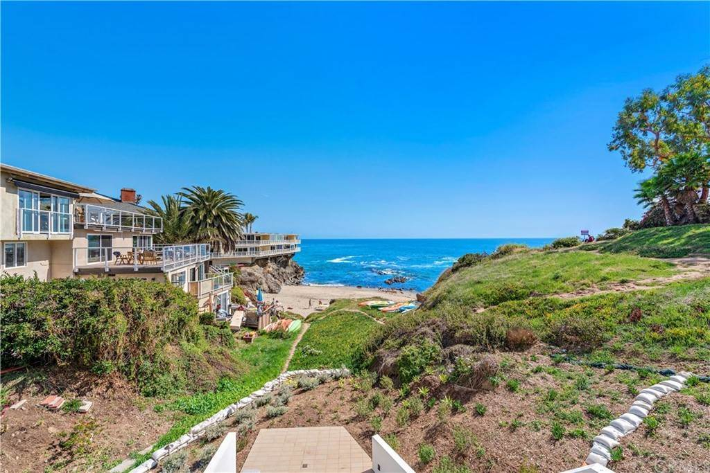 16. Apartments at 827 Cliff Drive Laguna Beach, California 92651 United States
