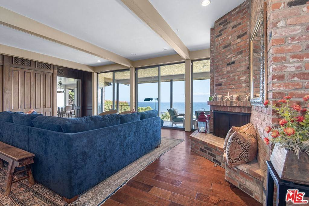 14. Residential Lease at 29008 Cliffside Drive Malibu, California 90265 United States