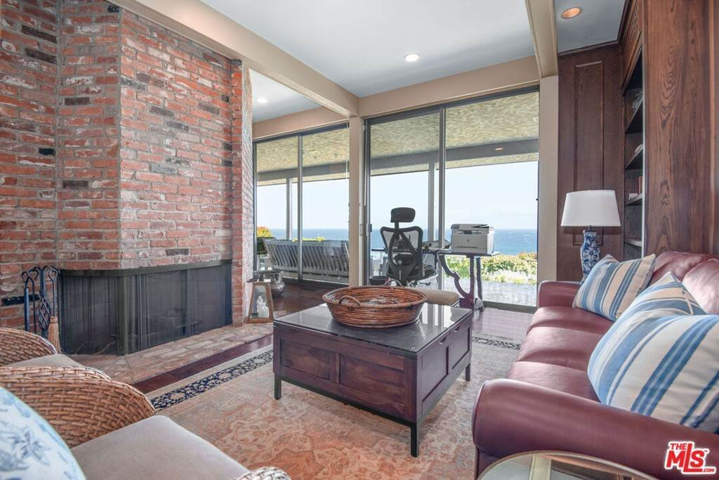15. Residential Lease at 29008 Cliffside Drive Malibu, California 90265 United States