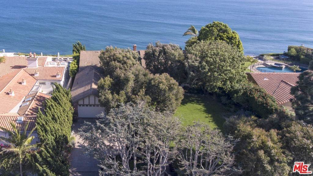 5. Residential Lease at 29008 Cliffside Drive Malibu, California 90265 United States