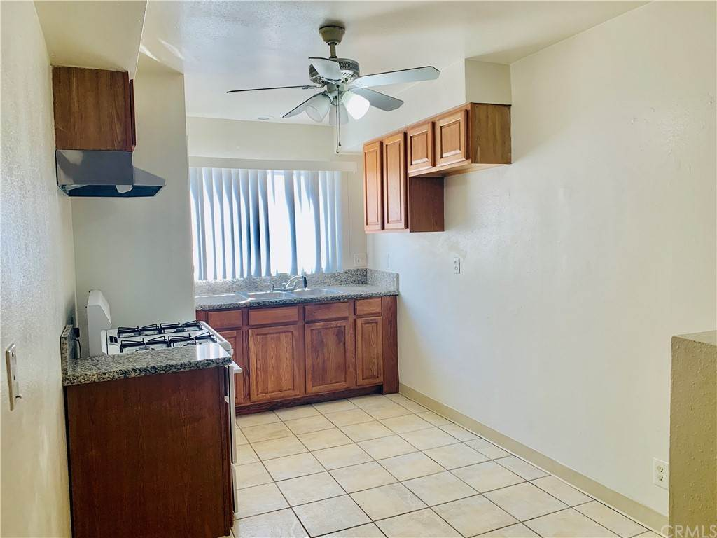 6. Apartments at 1425 W Stoneridge Court E Ontario, California 91762 United States