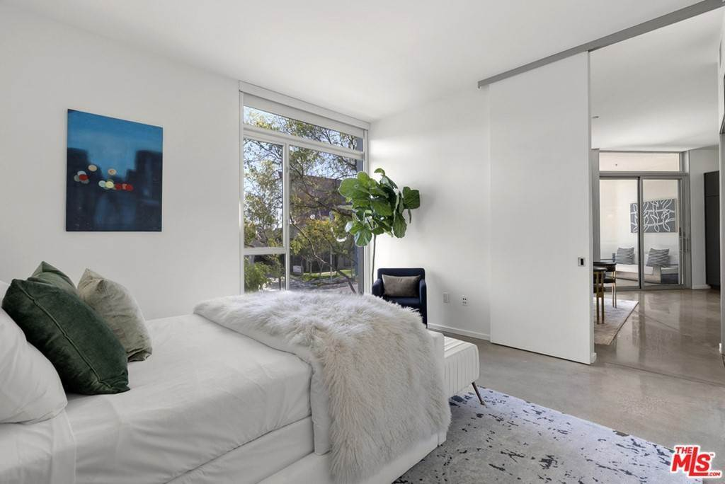 20. Residential Lease at 901 Hancock Avenue 207 West Hollywood, California 90069 United States