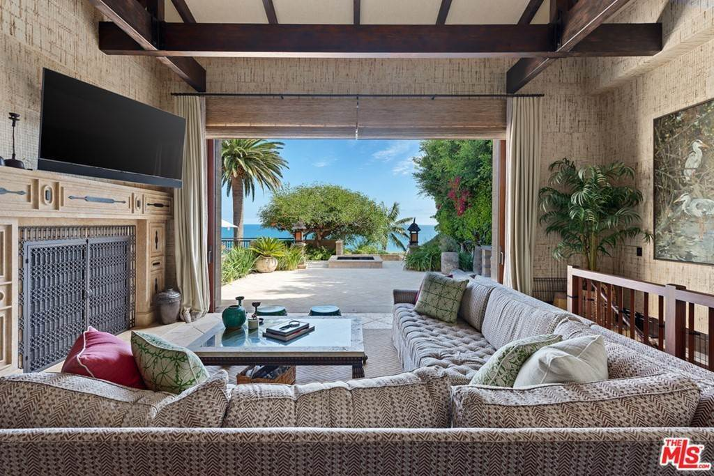 13. Residential Lease at 24834 Pacific Coast Highway Malibu, California 90265 United States