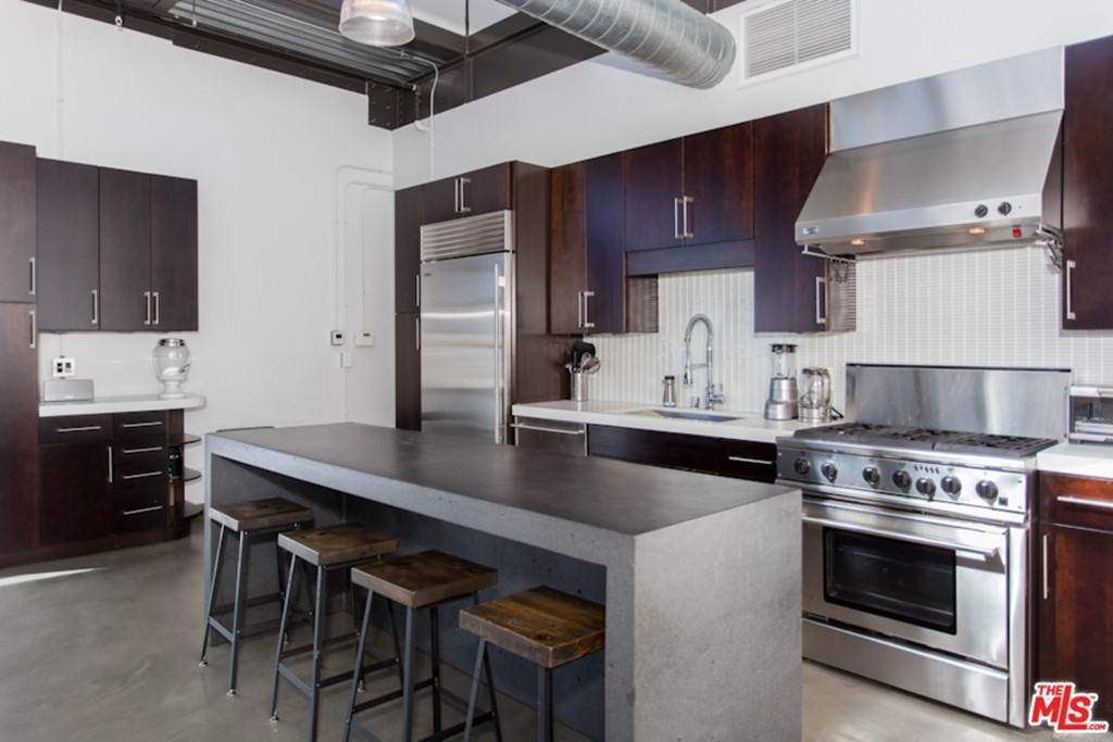 11. Residential Lease at 1534 17TH Street 204 Santa Monica, California 90404 United States