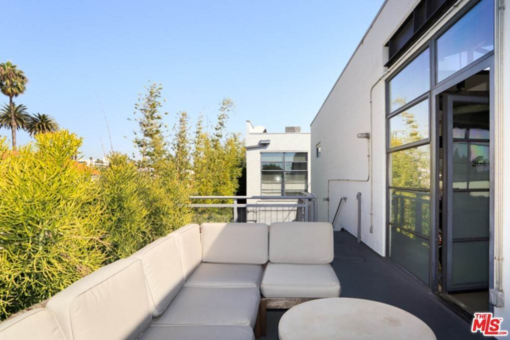 2. Residential Lease at 1534 17TH Street 204 Santa Monica, California 90404 United States