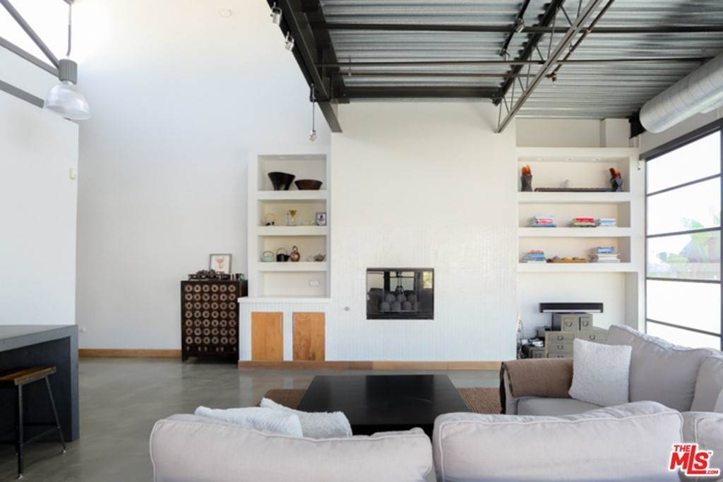 7. Residential Lease at 1534 17TH Street 204 Santa Monica, California 90404 United States