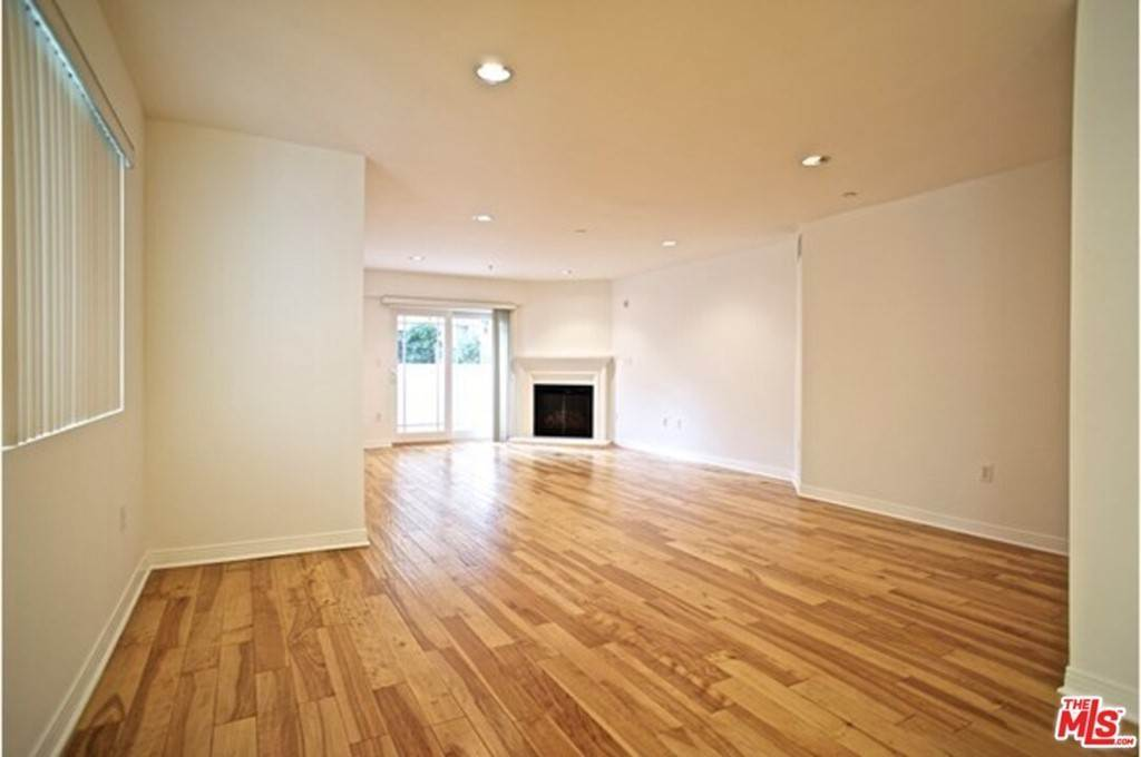 Residential Lease at 1321 Brockton Avenue 101 Los Angeles, California 90025 United States