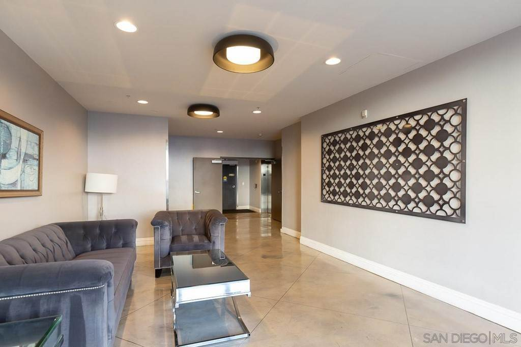 15. Residential Lease at 1501 Front St 406 San Diego, California 92101 United States