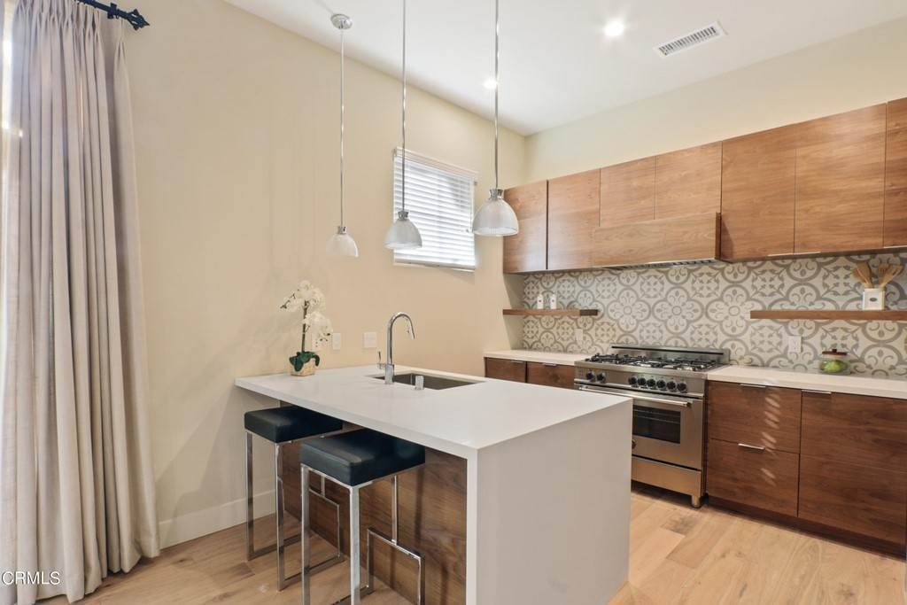 3. Residential Lease at 218 S Oakland Avenue 205 Pasadena, California 91101 United States