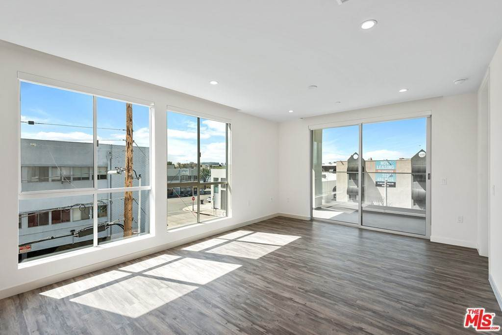 Residential Lease at 714 N Sweetzer Avenue 302 Los Angeles, California 90069 United States