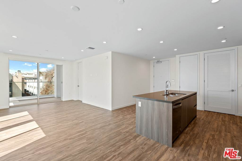 4. Residential Lease at 714 N Sweetzer Avenue 302 Los Angeles, California 90069 United States