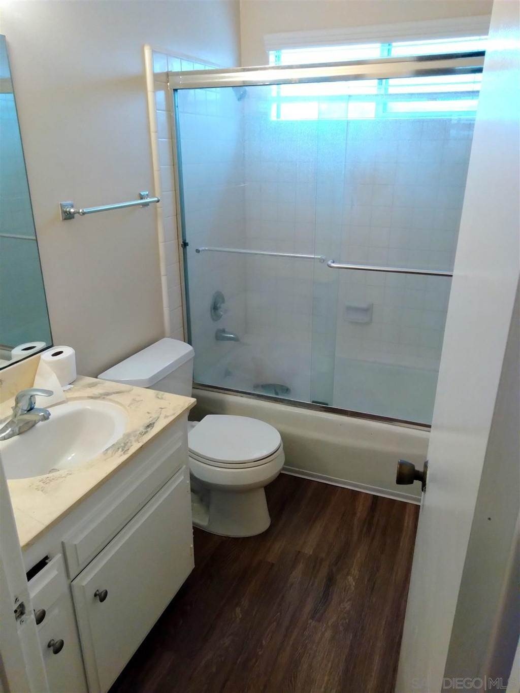 5. Apartments at 4174 Monroe Ave 1 bed 1 bath San Diego, California 92116 United States