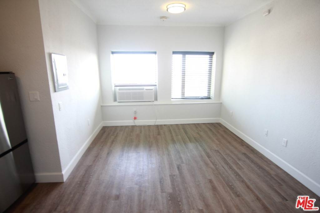 Residential Lease at 1417 N BRONSON Avenue 110 Los Angeles, California 90028 United States