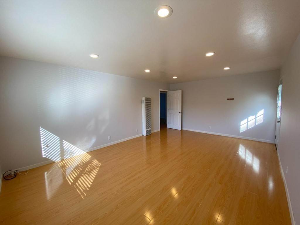 3. Apartments at 991 Dale Avenue 1 Mountain View, California 94040 United States