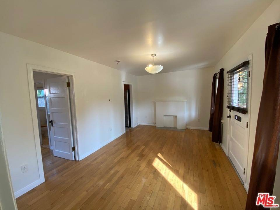 4. Residential Lease at 1827 Delaware Avenue Santa Monica, California 90404 United States