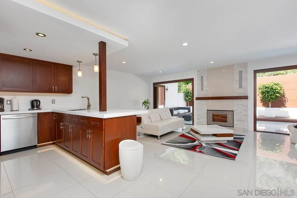 townhouses at 8746 Caminito Sueno La Jolla, California 92037 United States